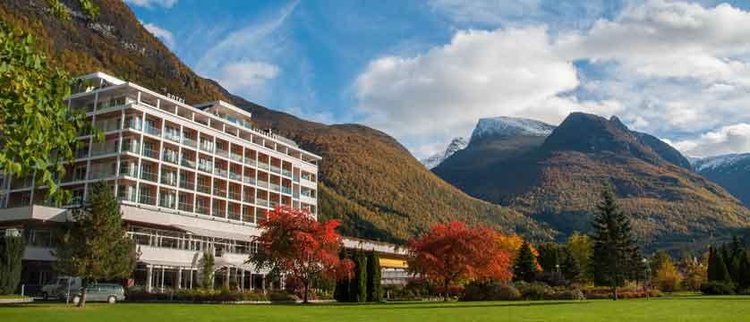 Alexandra Hotel, Loen, Norway - exterior.jpg
